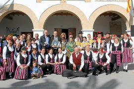 Las jotas serranas de Pozo Alcón y el 'ball pagès' de sa Colla des Broll unidos para siempre