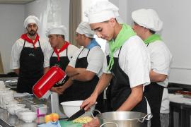 El IES Sa Serra permite que sus alumnos de Hostelería aprendan de los mejores