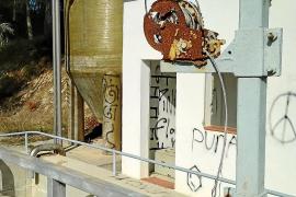 Los populares exigen el desmantelamiento de la depuradora de Santa Gertrudis