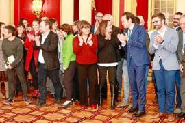 El Parlament desoye presiones y cierra el paso a los coches diésel
