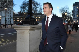 Gobierno británico baraja dos opciones para el Brexit: apoyo del Parlamento a su plan o un largo aplazamiento