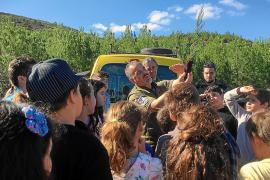 Alumnos del CEIP Urgell participan en una acción de reforestación en Benirràs