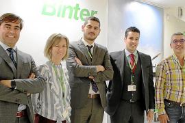 Binter estrecha los lazos entre Balears y Canarias