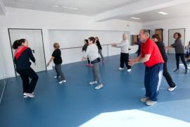 Las clases de actividad física para mayores de 60 años, en imágenes (Fotos: Daniel Espinosa).