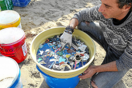 Ibiza y Formentera afianzan su lucha ante la amenaza de los micropásticos