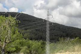 Red Eléctrica ya redacta el nuevo proyecto para el tendido soterrado de es Fornàs