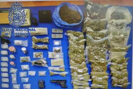 La Policía Nacional desarticula un punto de venta de hachís y marihuana en Ibiza