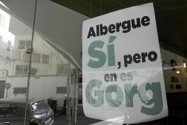 Los vecinos de l'Eixample no descartan la vía judicial para frenar el albergue