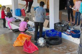 El colegio de la Mola ultima los preparativos para lo que será su carnaval más reivindicativo