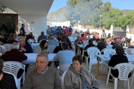 La Asociación de vecinos de Sa Carroca reanuda su actividad con una comida popular