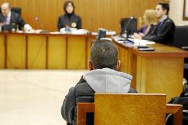 El acusado de abusos sexuales a su hija y otras dos menores rechaza las imputaciones