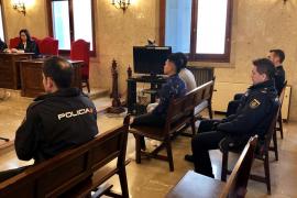 Diez años de cárcel por lanzar en Palma a una mujer por la ventana