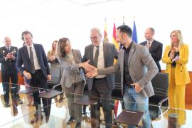 Firmado el acuerdo para la construcción de 120 viviendas públicas en Ibiza