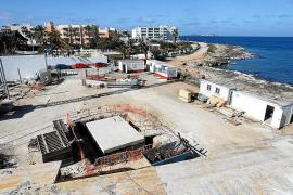 La estructura del auditorio de caló de s'Oli estará acabada a mediados de mayo