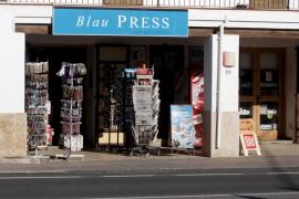 Un atracador se lleva 300 euros de una librería en Can Bellotera