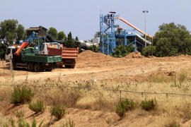 El Govern considera «inviable» la retirada de las tierras de las autovías a las canteras