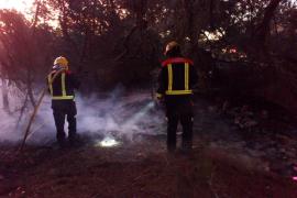 Un incendio forestal quema una superficie de 20 metros en Formentera