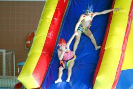 El carnaval también se disfruta en la piscina