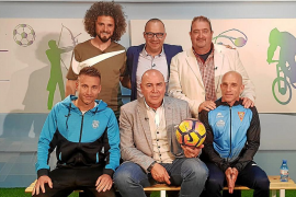 Sesión de fútbol y atletismo