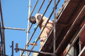 Las constructoras reducen su volumen de negocio en más de 100 millones de euros durante 2011