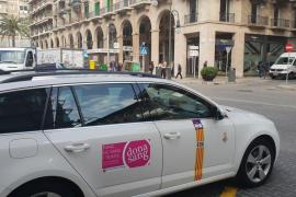 Taxi con información sobre las donaciones de sangre
