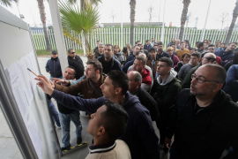 Más de 150 personas se presentan a las pruebas para obtener el permiso de taxi