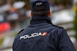 Un hombre mata a su mujer delante de su hijo en Estepona (Málaga)