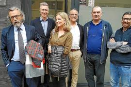 Representantes del Simebal a la salida de los juzgados
