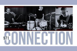 El trío musical 971 Connection dan un concierto en el Café Club de Es Gremi