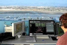 Los controladores aéreos prevén retrasos en verano en Baleares por falta de personal