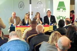 Vox reúne a un centenar de personas en el acto de presentación del partido en Eivissa