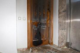Investigan un incendio en un bloque de pisos de la avenida Isidor Macabich