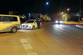 Siete jóvenes denunciados por la Policía Local de Sant Antoni por hacer botellón