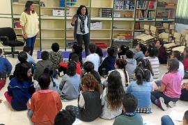 Los estudiantes de Sant Antoni homenajean a sus «ídolas»