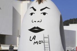 El Ayuntamiento decide retirar la cresta de la escultura del Huevo de Colón