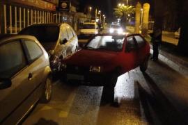 Un conductor borracho abandona su coche en Platja d'en Bossa y acude a buscarlo a la policía aún bebido