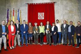 Biel Gomila y Vicky Pertierra recogen el premio Atticus 2018