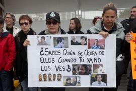 La protesta en la cárcel de Ibiza (Fotos: Daniel Espinosa).