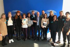 Las familias Viñals y Patricio Escandell presentan sus reclamaciones en el Parlamento europeo