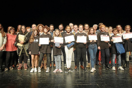 El Parlament premia a los mejores dibujantes y escritores de la isla de Ibiza