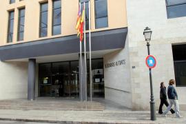 Una boda en los juzgados de Palma acaba con la detención de los novios y dos invitados