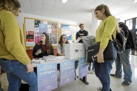 La Junta Electoral ultima la suspensión de las consultas sobre república o monarquía