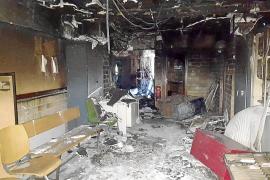 La delegada del Gobierno confirma que la Policía investiga la autoría del incendio