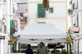 El Feim Barri, Feim Flors en el barrio de La Marina. en imágenes (Fotos: Daniel Espinosa).