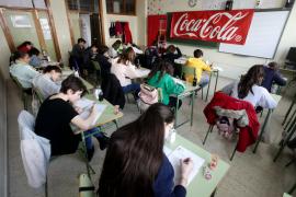 La prueba final del concurso de relato corto de Coca-Cola en Ibiza, en imágenes .