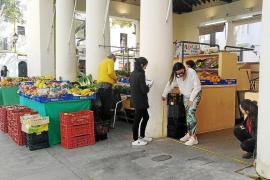 Alumnos de la Escola d'Art buscan dar nuevos usos al Mercat Vell de Vila