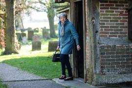 May se reúne con sus ministros y diputados conservadores para abordar la estrategia para el Brexit