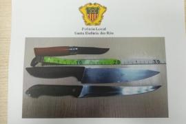 Detenidos dos 'okupas' que asaltaron armados con cuchillos una vivienda ya okupada en Santa Eulària