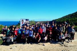 Unos 150 escolares replantan este año 200 sabinas con la campaña Reforesta Ibiza Conciencia
