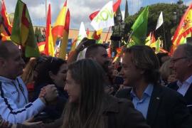 Tensión y detenidos en la concentración de Vox en Barcelona